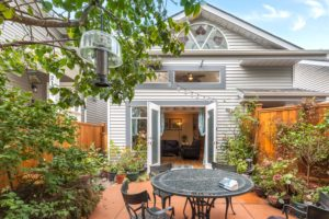 Half Duplex in Commercial Drive