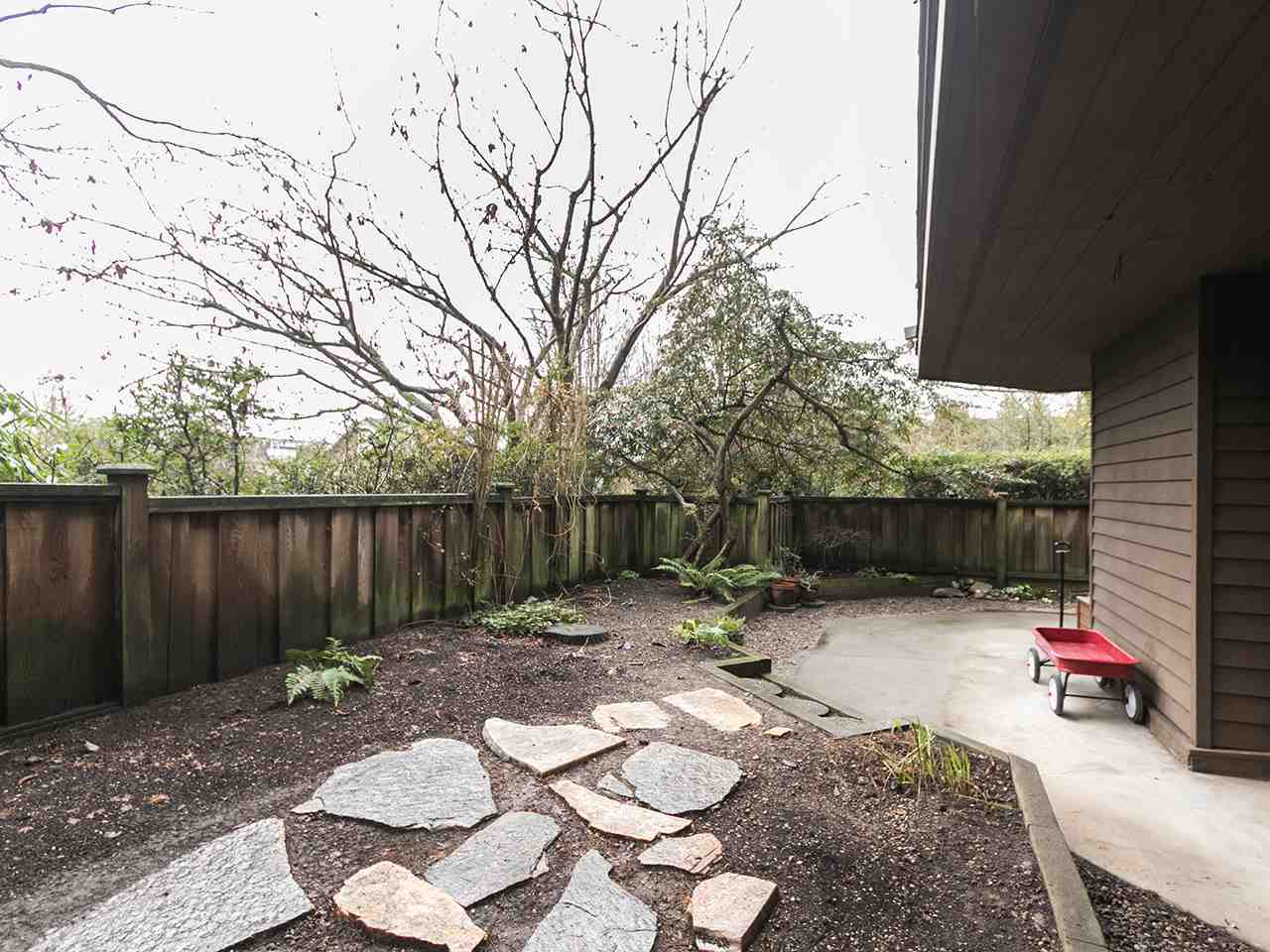 102 224 N GARDEN DRIVE Vancouver, BC - 16
