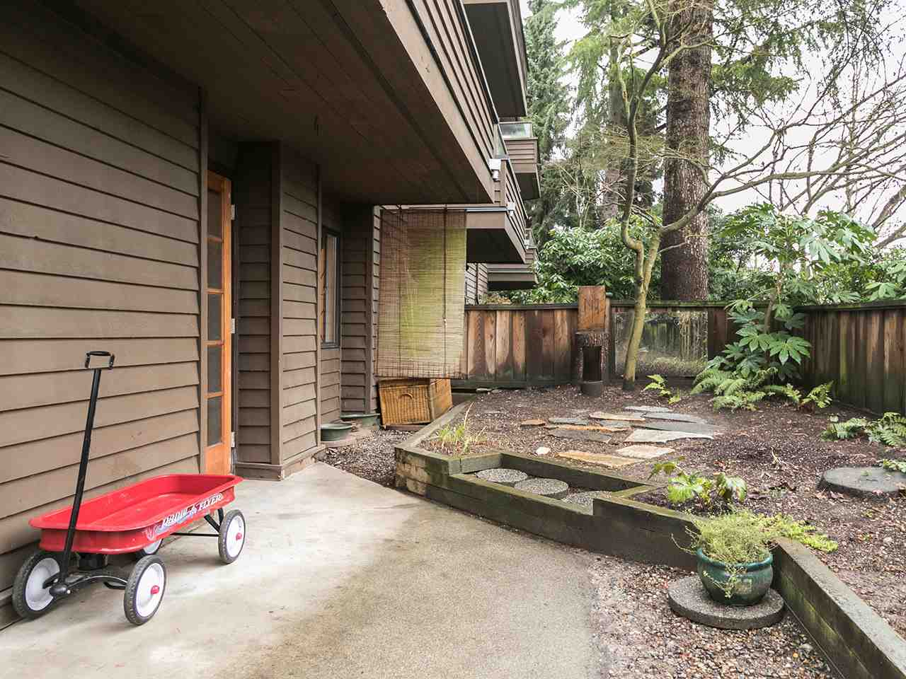 102 224 N GARDEN DRIVE Vancouver, BC - 14