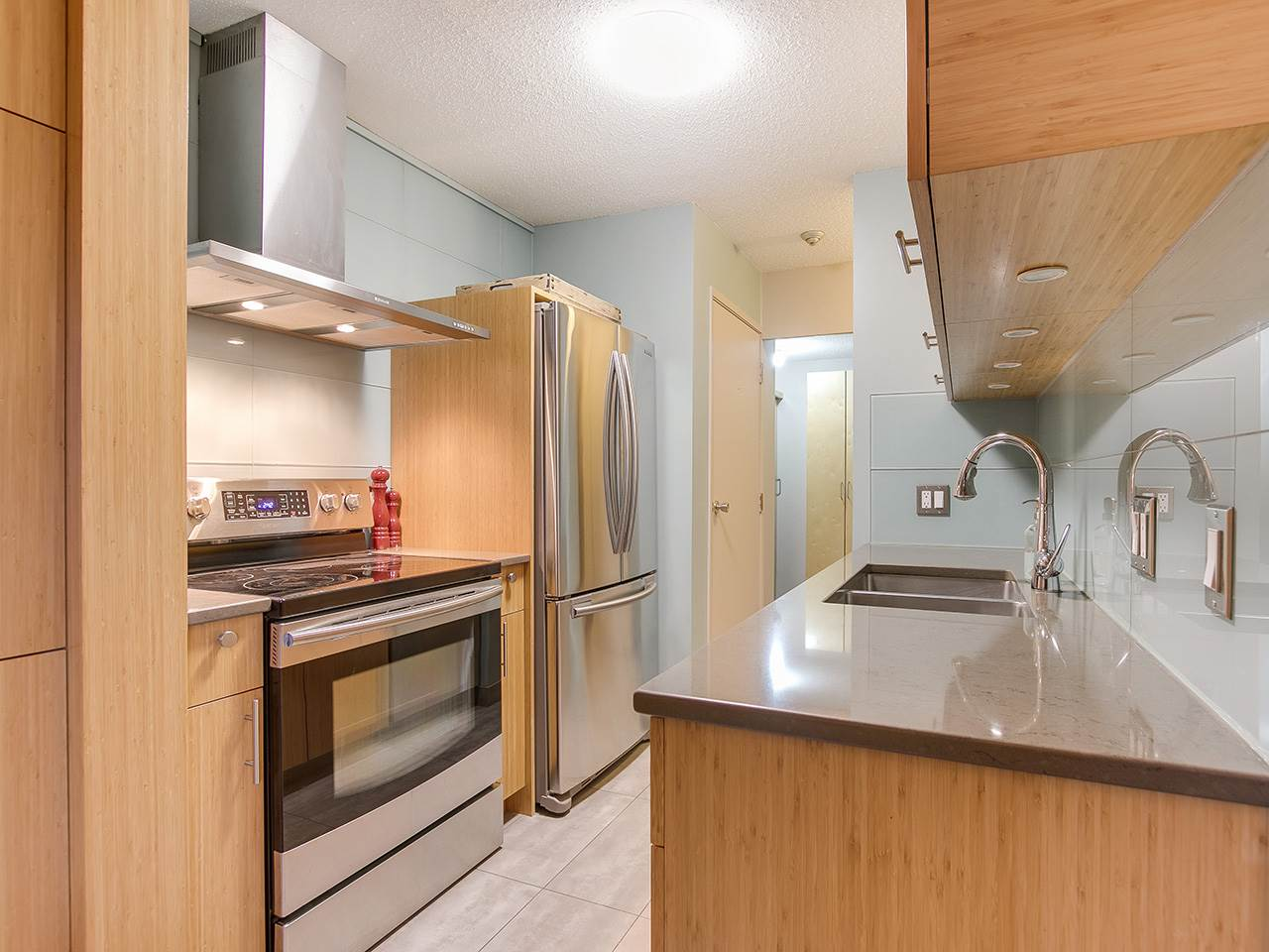 102 224 N GARDEN DRIVE Vancouver, BC - 6